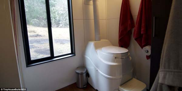 hOMe includes a toilet and shower.