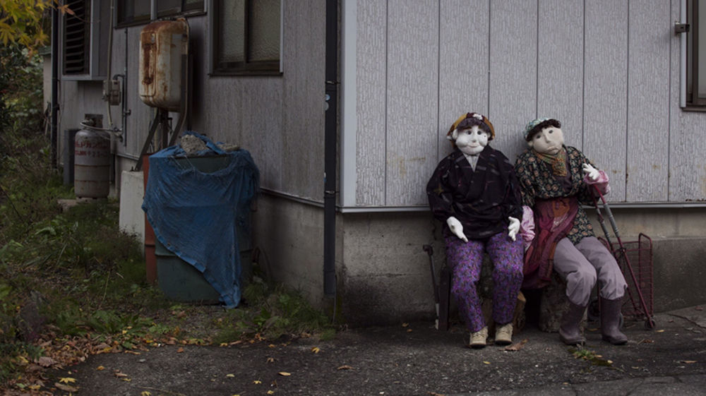 Japanese artist Ayano Tsukimi returned to her village 11 years ago, it wasn't the place she once knew it to be. As there were few of her former friends and loved ones around, she decided to replicate the place herself, with dolls.