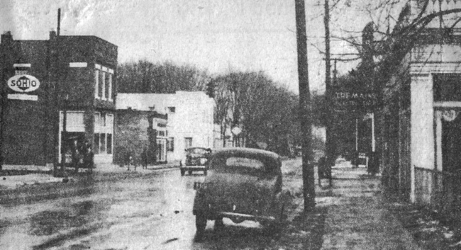 """7.) This photograph of First and Oakland is from the """"Howdy Neighbor"""" section of an unidentified 1942 Columbus newspaper."""