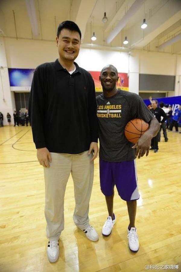 """17.) Kobe Bryant... or Kobe Ant? He's 6'6"""""""