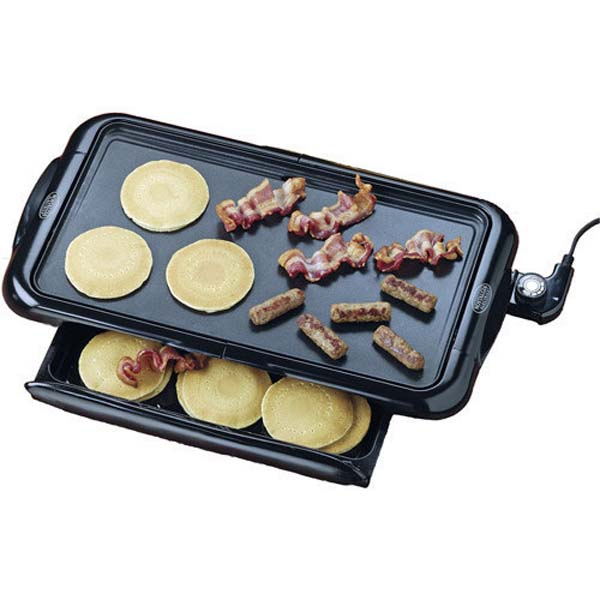 7.) This griddle has a secret warming drawer to keep all of your breakfast creations toasty.