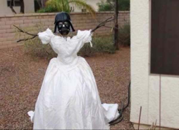 4.) Kevin Cotter used his ex-wife's wedding dress in over 100 awesome ways. Someone take this man to dinner.