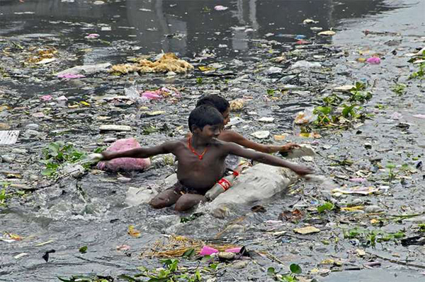Nearby textile factories are heavy contributors of toxic waste to the water.